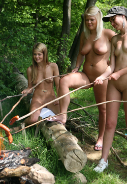 Nude Babes Having a Good Barbecue - pics 06