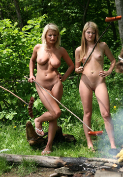 Nude Babes Having a Good Barbecue - pics 07