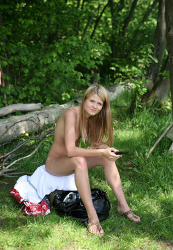 Nude Babes Having a Good Barbecue - pics 09