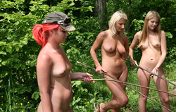 Nude Babes Having a Good Barbecue - pics 13