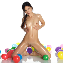 Oiled Cutie with Colourful Baloons - pics 09