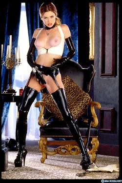 Pornstar Aimee Sweet Black Latex - pics 06