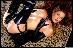 Pornstar Aimee Sweet Black Latex - pics 07