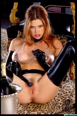 Pornstar Aimee Sweet Black Latex - pics 10