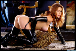 Pornstar Aimee Sweet Black Latex - pics 13