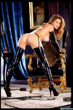 Pornstar Aimee Sweet Black Latex - pics 15
