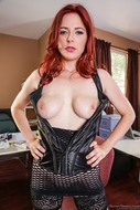 Redhead Slut Gets ready to fuck - pics 06