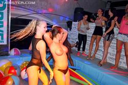 Wild Hardcore Orgy in Disco Club - pics 12