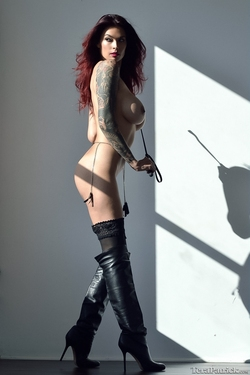 Tera Patrick in Long Black Boots - pics 03
