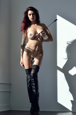 Tera Patrick in Long Black Boots - pics 06