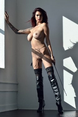 Tera Patrick in Long Black Boots - pics 08
