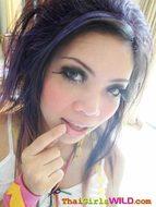 Kinky Thai Babe Flashing her Tits - pics 00
