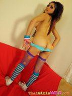 Kinky Thai Babe Flashing her Tits - pics 10
