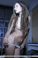 Beautiful Rasta Babe Stripping - pics 07