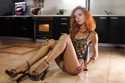Lovely Redhead Vetta Oiled Pussy - pics 05