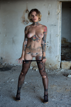 Tattooed Stacy in Ripped Pantyhose - pics 15