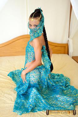Tussinee Beautiful Thai Courtesan - pics 01