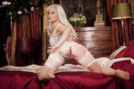 Jennifer Jade in Sexy Lingerie - pics 08