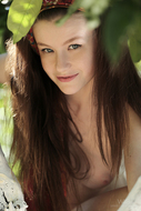 Emily Bloom on the White Tree - pics 10
