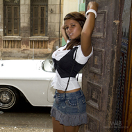Wonderful Cuban Girls with Cars - pics 01