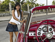 Wonderful Cuban Girls with Cars - pics 10