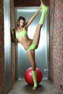 Maria Ryabushkina Tara Stretch - pics 01