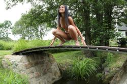 Natural Nymph Nika Public Peeing - pics 13