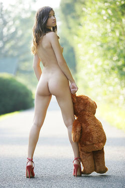 Sweet Teen Nika Loves her Teddy Bear - pics 10
