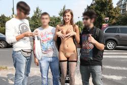 Maria Ryabushkina Street Flash - pics 01