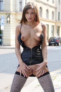 Maria Ryabushkina Street Flash - pics 04
