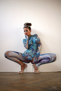 Busty Lizzie Ryan in Body Paint - pics 00