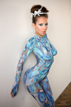 Busty Lizzie Ryan in Body Paint - pics 03