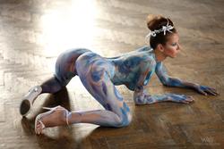 Busty Lizzie Ryan in Body Paint - pics 11