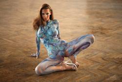 Busty Lizzie Ryan in Body Paint - pics 13