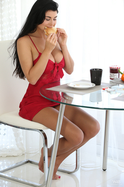 Vanessa and Lucy Li Sexy Lesbians - pics 01