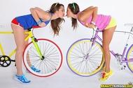 Four lesbian Babes on Fixie Bikes - pics 02