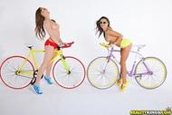 Four lesbian Babes on Fixie Bikes - pics 04