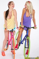Four lesbian Babes on Fixie Bikes - pics 06