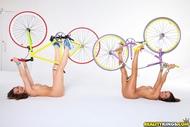 Four lesbian Babes on Fixie Bikes - pics 12