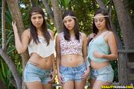Sweet Lesbian Trio Hardcore sex - pics 00