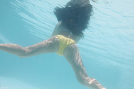 Young Couple Underwater Sex - pics 04