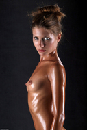 Sofia Perfect Body Dripping Wet - pics 12