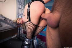 Chessie Kay Fishnet Stockings Sex - pics 15