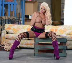Pornstar Summer Brielle Purple Boots - pics 05