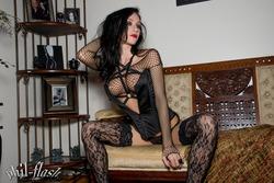 Adorable Goth Princess Dawn Avril - pics 02