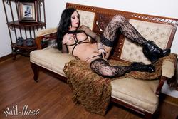 Adorable Goth Princess Dawn Avril - pics 05