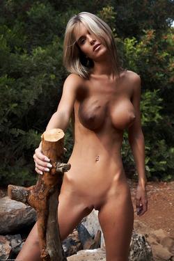 Nessa Devil - Tall and Busty Slut - pics 09