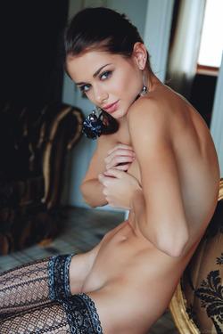 Sexy Loretta A in Fancy Stockings - pics 02