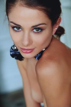 Sexy Loretta A in Fancy Stockings - pics 03