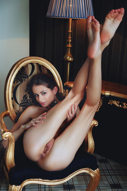 Sexy Loretta A in Fancy Stockings - pics 11